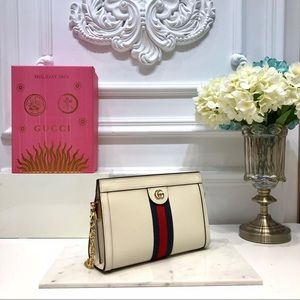 Gucci clutch bag with chain